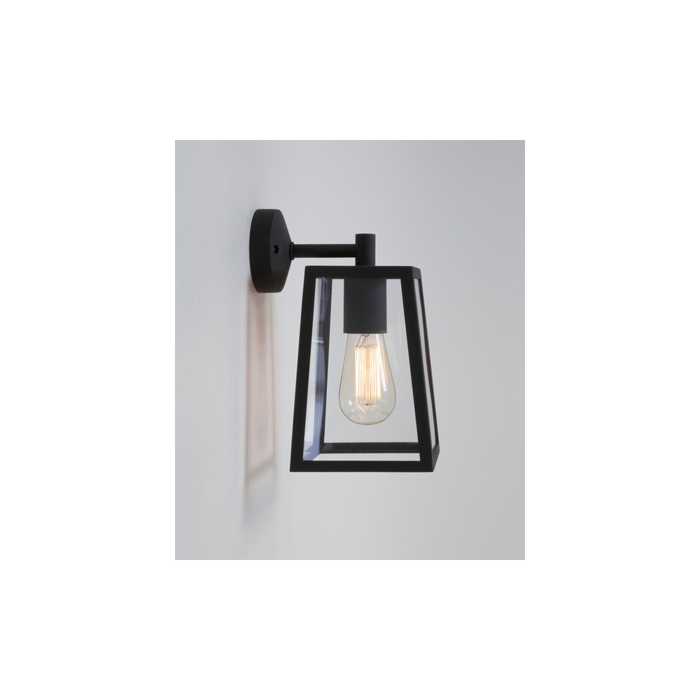 Beautiful 7105 Calvi 1 Light Outdoor Wall Light In Painted Black