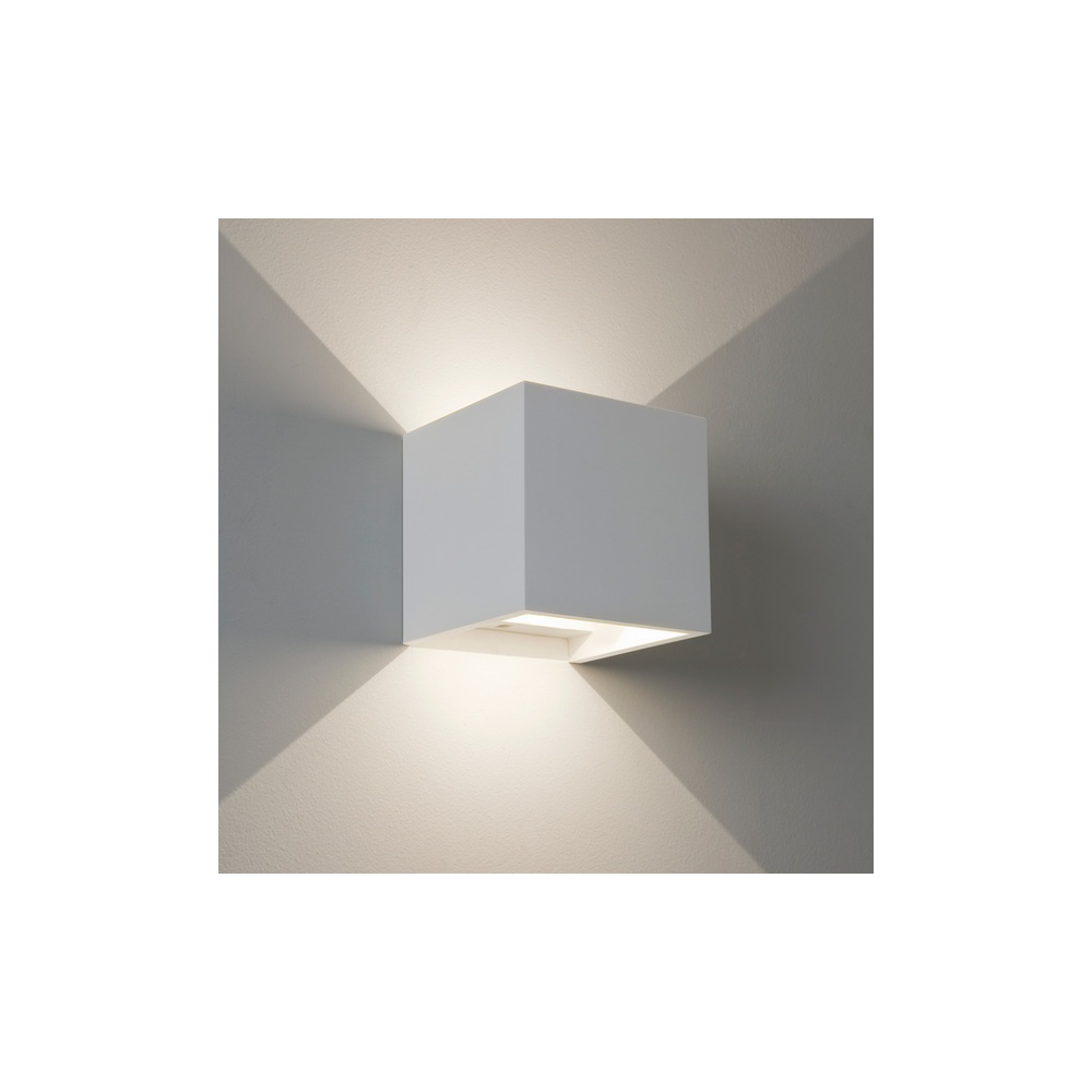 7152 Pienza LED Square Contemporary Wall Bracket In White