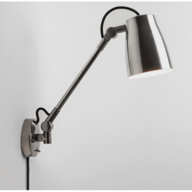 Atelier Grande Industrial Wall Light in Polished Aluminium Finish 7503