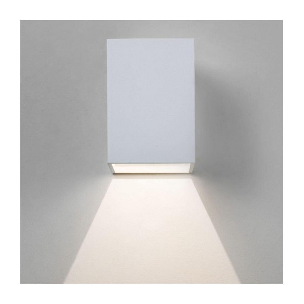 Led Wall Light White: Astro Lighting Oslo Outdoor LED Wall Light In White Finish